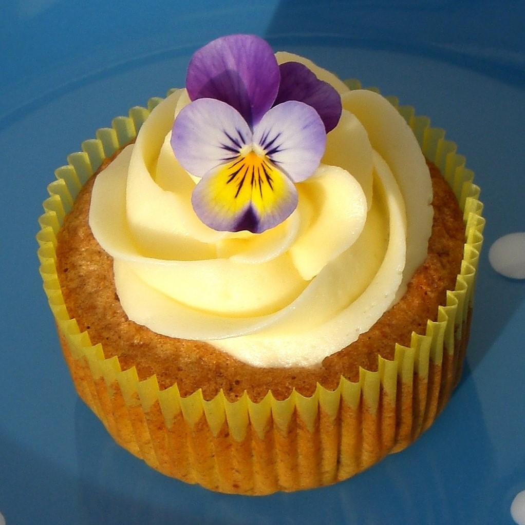 Walnut Cup Cake