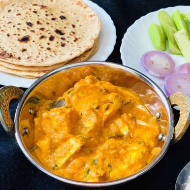 Butter Roti With Shahi Paneer