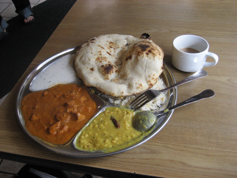 Dal Mahkni + Mix Raita + Shahi Paneer + 1 Roti +1 Naan