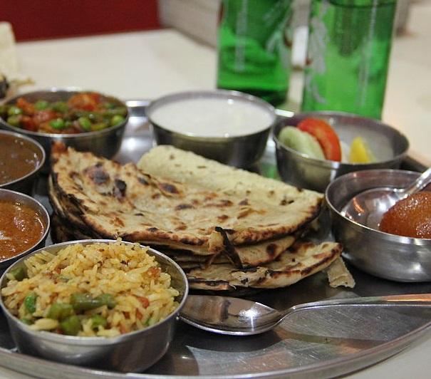 Dal Mahkni + Mix Veg + Shahi Paneer + 1 Roti +1 Naan
