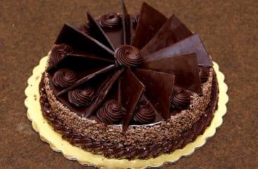Chocobar Cake