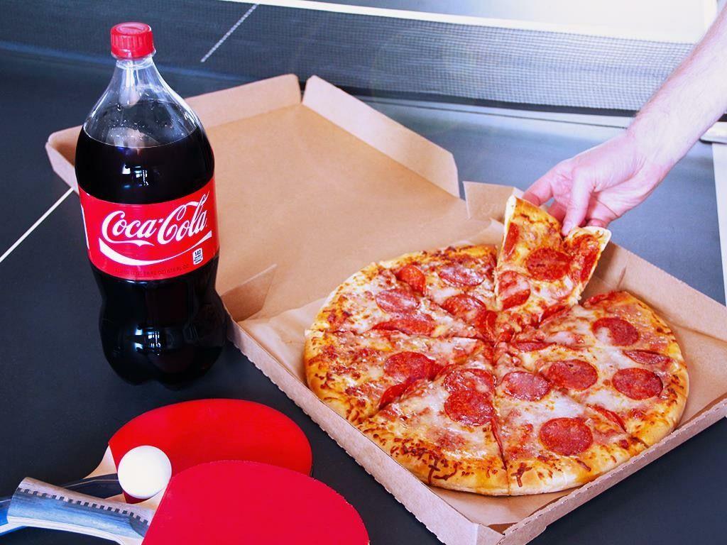 Pizza + 300 ml. Coke