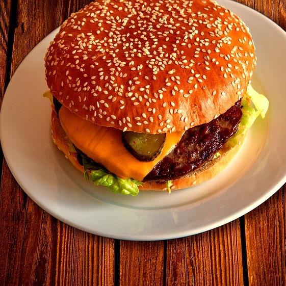 Veg. Creamy Burger (Grill)