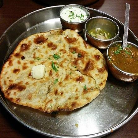 Amritsari kulcha + Dahi + Gravy