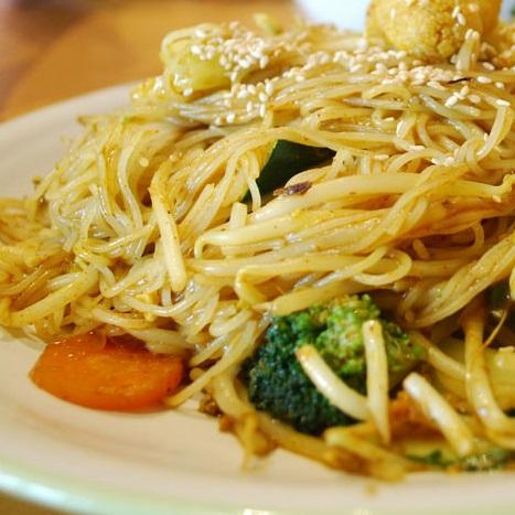 Singapuri Noodles Veg.